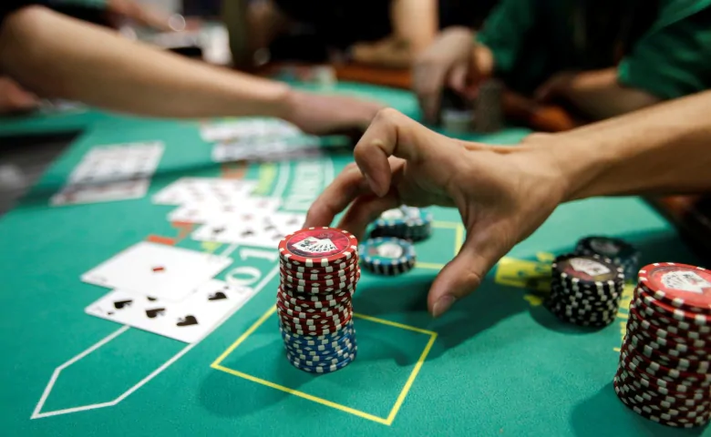 Play Online Casinos Games And Follow The Rules