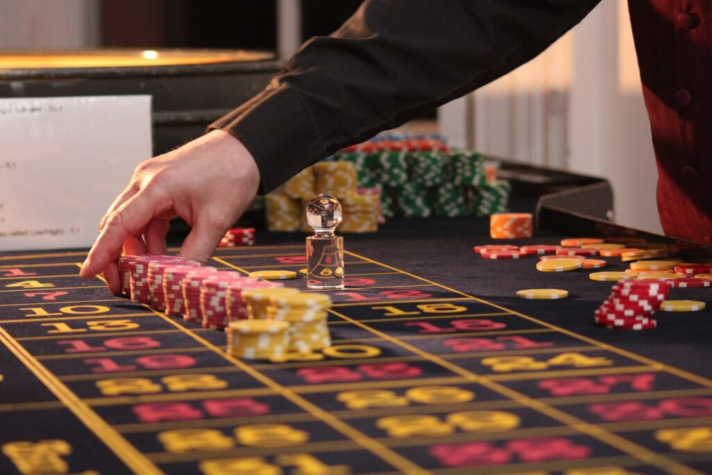 Understand How To Play Casino Games Well